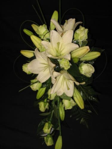 Cream Asiatic Lily and Rose Teardrop